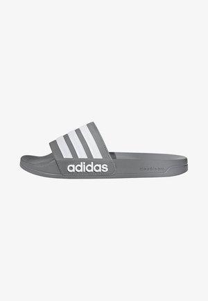 ADILETTE CLOUDFOAM SLIDES - Sandales de bain - grey