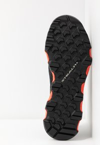 adidas Performance - TERREX VOYAGER SLIP_ON - Vaelluskengät - core black/grey three/solar red - 4