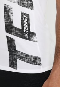 adidas Performance - TERREX TRAIL CROSS MOUNTAIN BIKE TEE SHIRT - T-shirt de sport - white - 6
