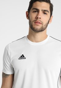 adidas Performance - CORE 18 - T-shirt z nadrukiem - white/black - 4
