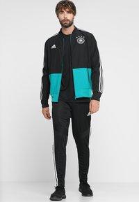 adidas Performance - AEROREADY PRIMEGREEN JERSEY SHORT SLEEVE - T-shirt z nadrukiem - black/white - 1