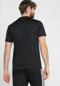 adidas Performance - AEROREADY PRIMEGREEN JERSEY SHORT SLEEVE - T-shirt z nadrukiem - black/white - 2