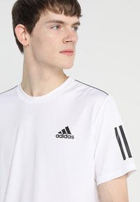 adidas Performance - CLUB TEE - T-shirt print - white/black - 4
