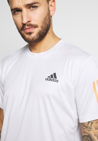 adidas Performance - CLUB TEE - T-shirt imprimé - grey - 4