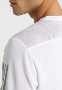 adidas Performance - OWN THE RUN TEE - Print T-shirt - white/silver - 4