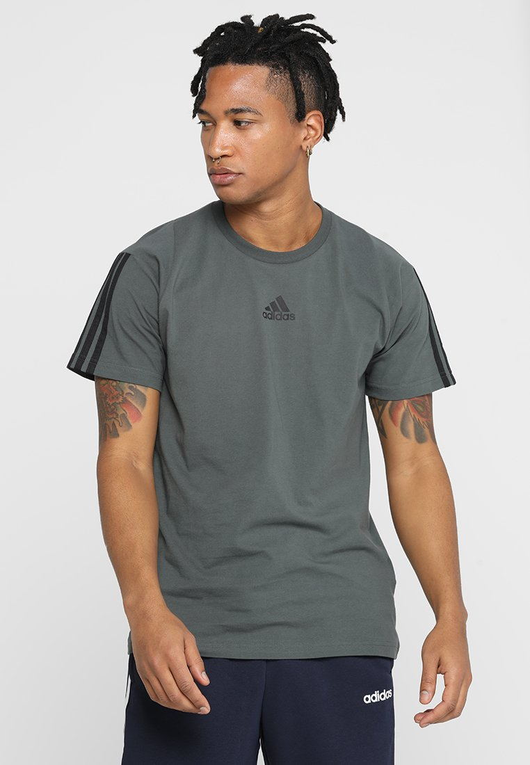 adidas Performance - TEE - T-shirt print - legend ivy/white