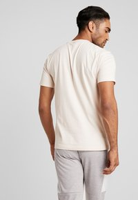 adidas Performance - MUST HAVES SPORT REGULAR FIT T-SHIRT - T-shirt con stampa - linen - 2