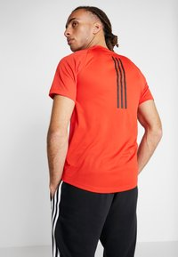 adidas Performance - Print T-shirt - active red - 2