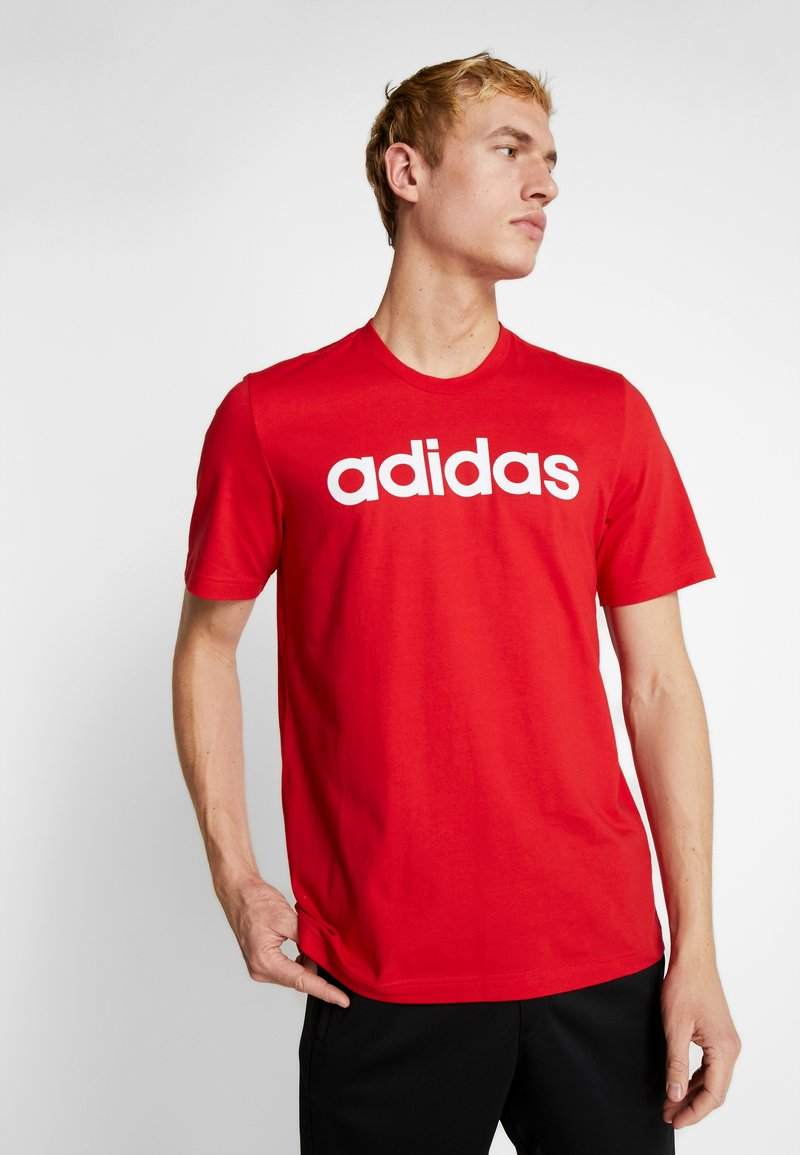 adidas Performance - LIN TEE - T-shirt con stampa - scarle/white