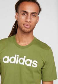 adidas Performance - LIN TEE - T-shirt print - tech olive/white - 4