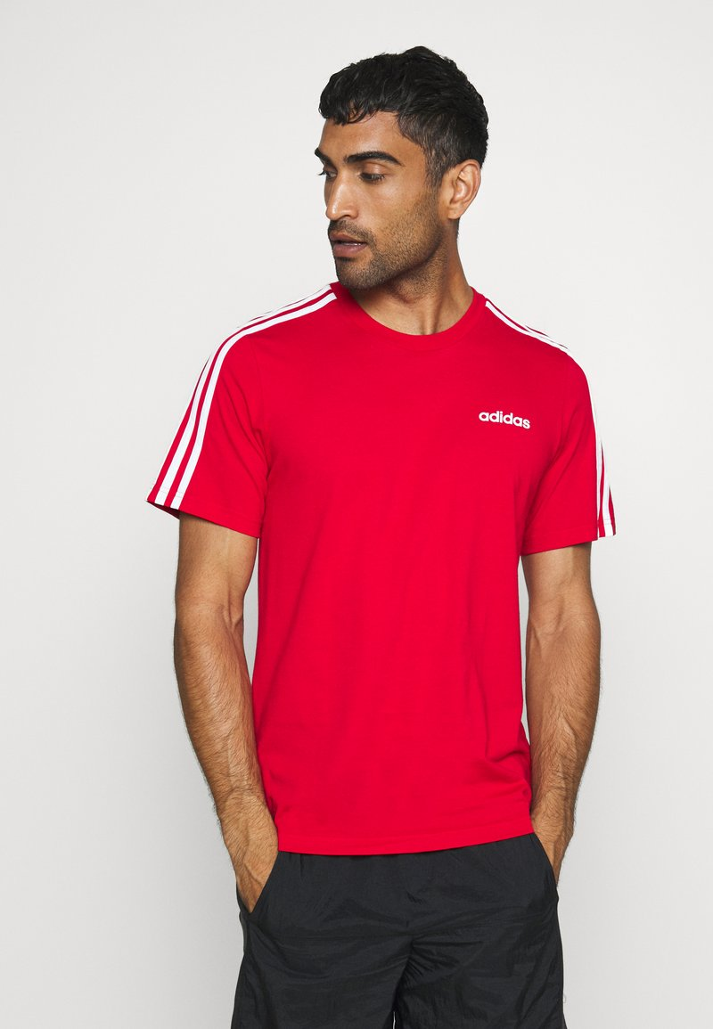 adidas Performance - ESSENTIALS SPORTS SHORT SLEEVE TEE - T-shirt con stampa - scarlet/white