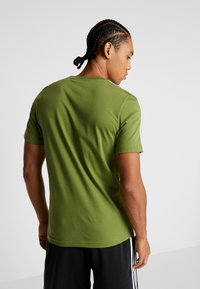 adidas Performance - T-shirt print - tech olive - 2