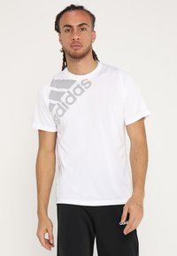 adidas Performance - T-shirt med print - white - 0