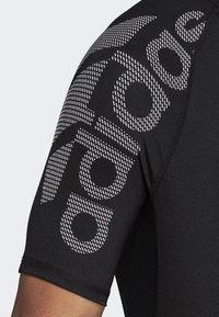 adidas Performance - ALPHASKIN BADGE OF SPORT TEE - Print T-shirt - black - 4
