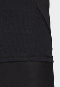 adidas Performance - ALPHASKIN BADGE OF SPORT TEE - Print T-shirt - black - 5