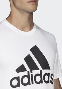 adidas Performance - Must Haves Badge of Sport Tee - T-shirt med print - white - 3