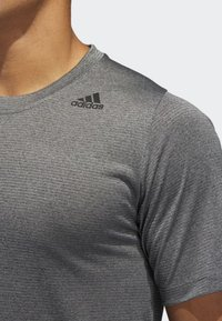 adidas Performance - FREELIFT TECH CLIMACOOL FITTED T-SHIRT - T-shirt - bas - grey - 3