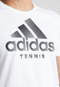 adidas Performance - CAT LOGO TEE  - Camiseta estampada - white - 5