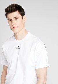 adidas Performance - 3STRIPES ATHLETICS SHORT SLEEVE TEE - Camiseta estampada - white/black - 3