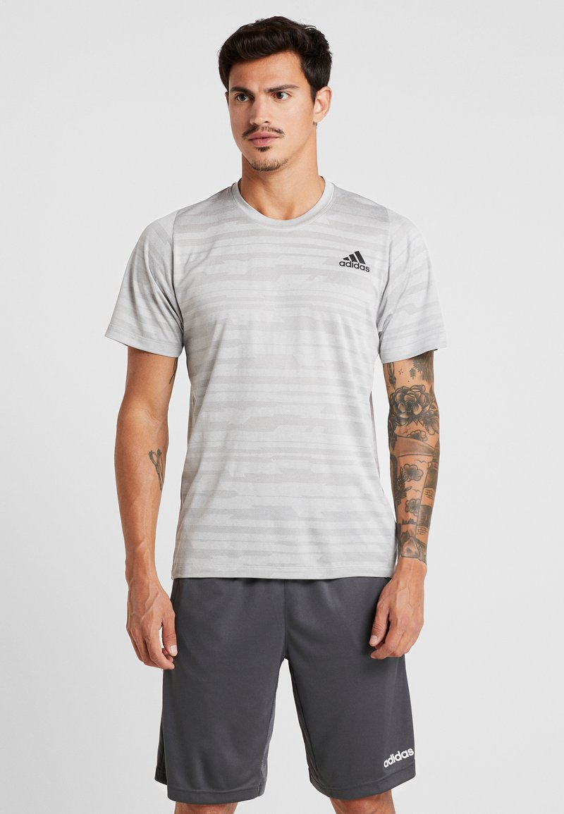 adidas Performance - Camiseta estampada - medium grey