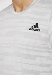 adidas Performance - Camiseta estampada - medium grey - 5