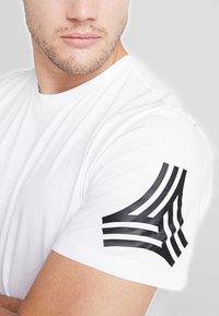 adidas Performance - TAN LOGO TEE - Camiseta estampada - white - 5