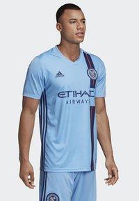 adidas Performance - NEW YORK CITY FC HOME JERSEY - Printtipaita - blue - 0