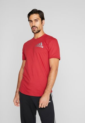 SID TEE - Print T-shirt - active maroon