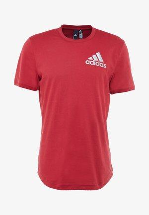 SID TEE - T-shirt med print - active maroon