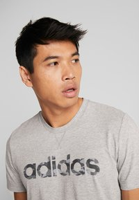 adidas Performance - CAMO LIN - T-shirt print - grey - 5