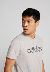 adidas Performance - CAMO LIN - Camiseta estampada - grey - 4