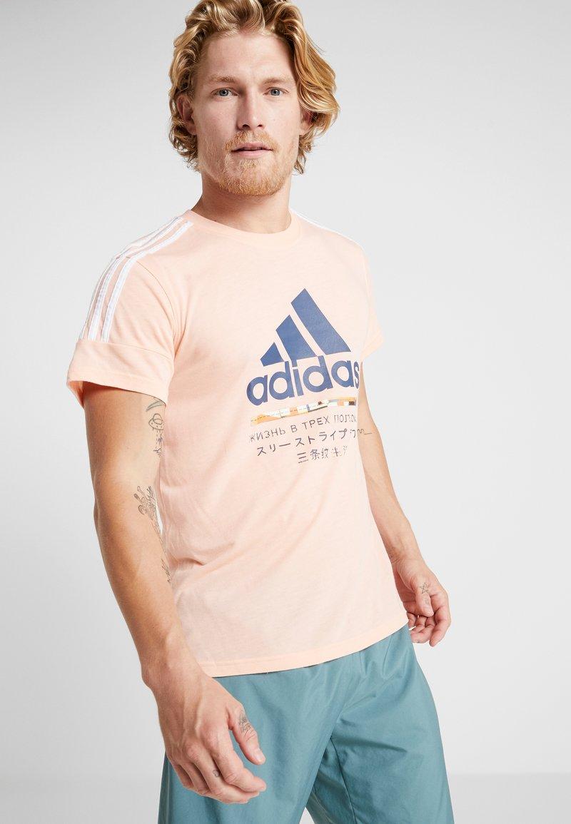 adidas Performance - T-Shirt print - glow pink