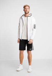 adidas Performance - VRCT T-SHIRT - T-shirt print - linen - 1