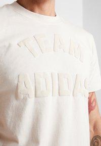 adidas Performance - VRCT T-SHIRT - T-shirt print - linen - 4