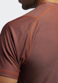 adidas Performance - FREELIFT T-SHIRT - T-shirt print - orange - 5