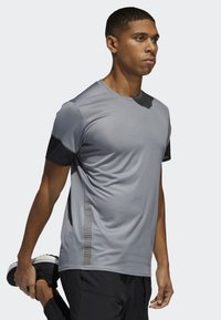 adidas Performance - 25/7 RISE UP N RUN PARLEY T-SHIRT - Print T-shirt - grey - 3
