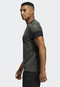 adidas Performance - RISE UP N RUN PARLEY T-SHIRT - Funktionströja - green - 2