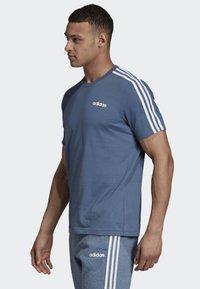 adidas Performance - ESSENTIALS 3-STRIPES T-SHIRT - Sportshirt - blue - 2