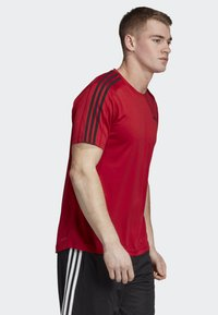 adidas Performance - DESIGN 2 MOVE 3-STRIPES T-SHIRT - Print T-shirt - red - 3