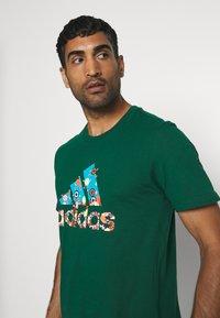 adidas Performance - BIT BOS - T-shirts med print - green - 3