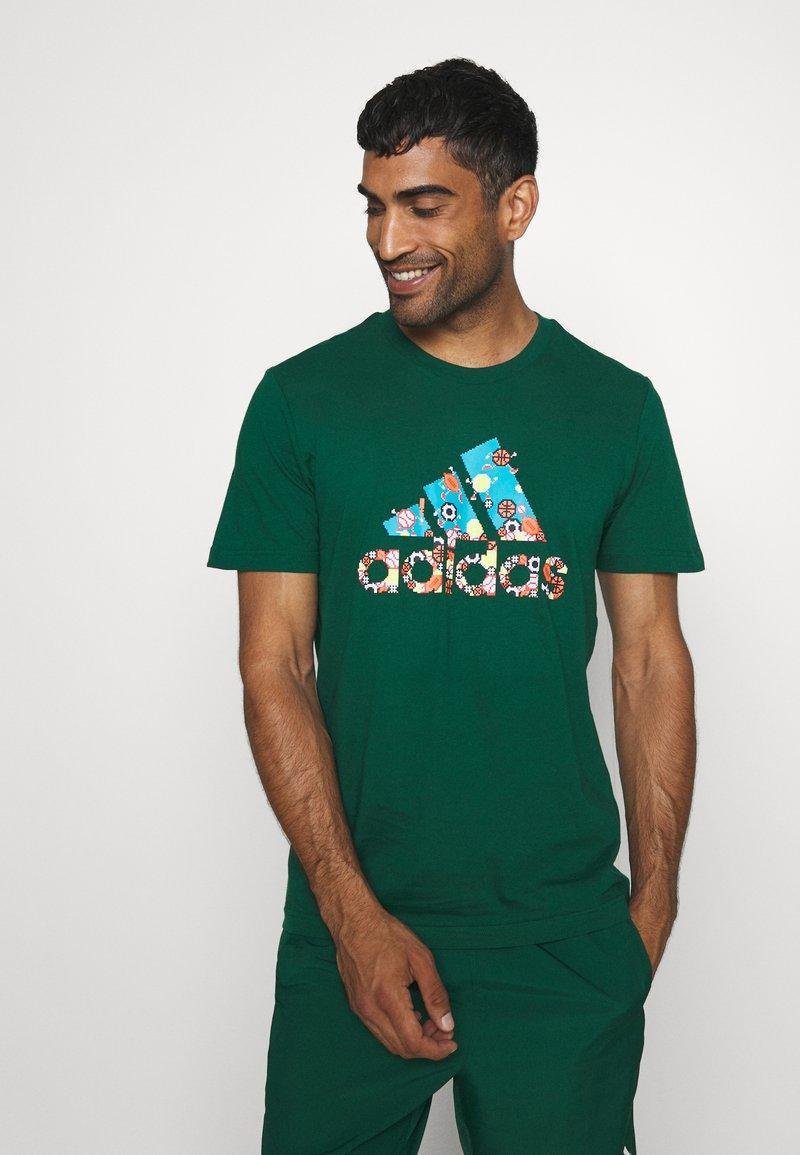 adidas Performance - BIT BOS - T-shirts med print - green