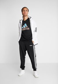 adidas Performance - 8 BIT - T-shirt print - black - 1