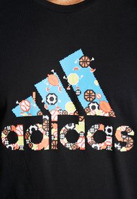 adidas Performance - 8 BIT - T-shirt print - black - 5
