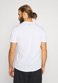 adidas Performance - FAST TEE - T-shirts med print - white - 2