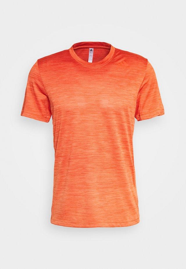 GRADIENT TEE - Camiseta estampada - glamme