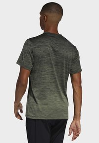 adidas Performance - TECH GRADIENT T-SHIRT - T-shirts med print - legacy green - 1