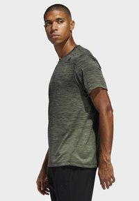 adidas Performance - TECH GRADIENT T-SHIRT - T-shirts med print - legacy green - 2