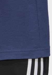 adidas Performance - ESSENTIALS 3-STRIPES T-SHIRT - Print T-shirt - tech indigo - 6