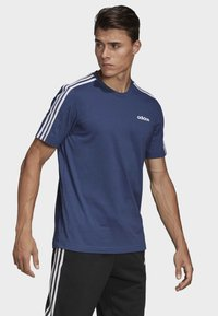 adidas Performance - ESSENTIALS 3-STRIPES T-SHIRT - Print T-shirt - tech indigo - 3