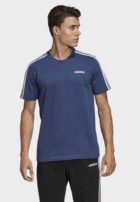 adidas Performance - ESSENTIALS 3-STRIPES T-SHIRT - Print T-shirt - tech indigo - 0
